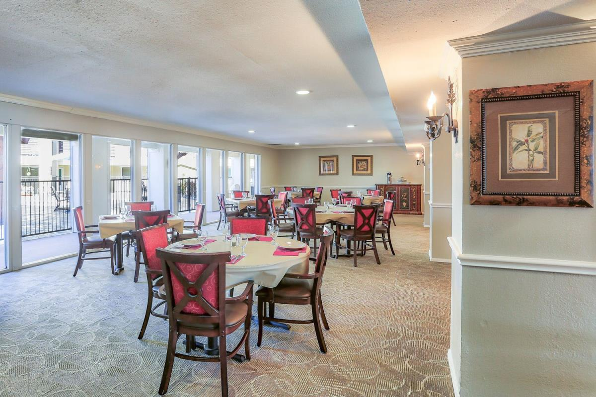 Dining Room at Listing #249221
