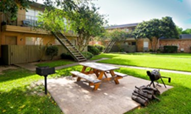 Picnic Area at Listing #138400