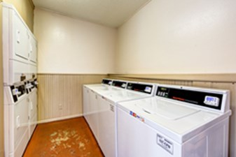Laundry at Listing #140998