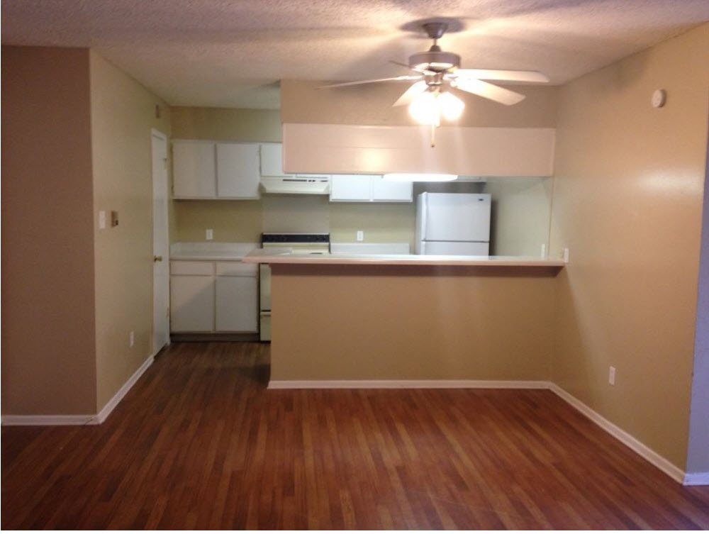 Dining/Kitchen at Listing #135659