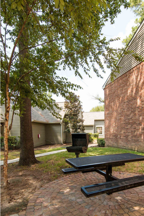 Exterior at Listing #138440