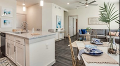 Dining/Kitchen at Listing #304873