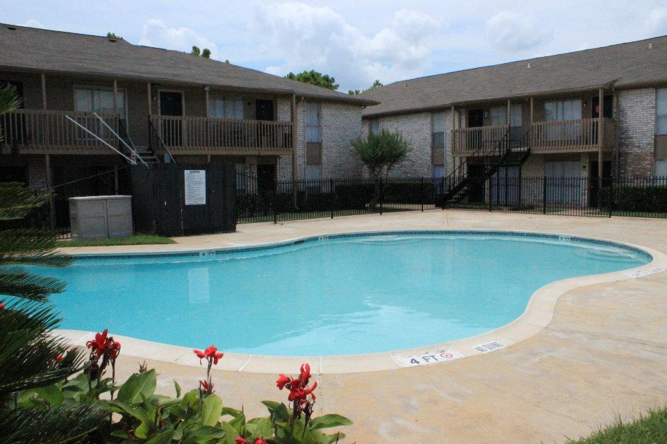 Pool at Listing #139887