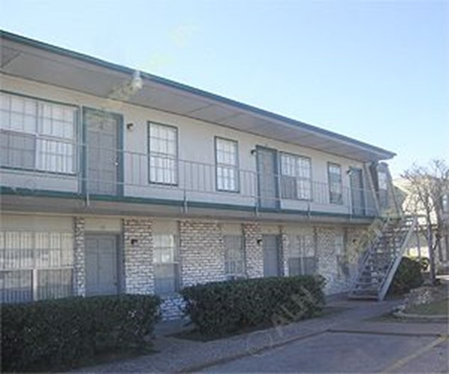 Houston Westbury Gardens: $600+ For 1 & 2 Bed Apts