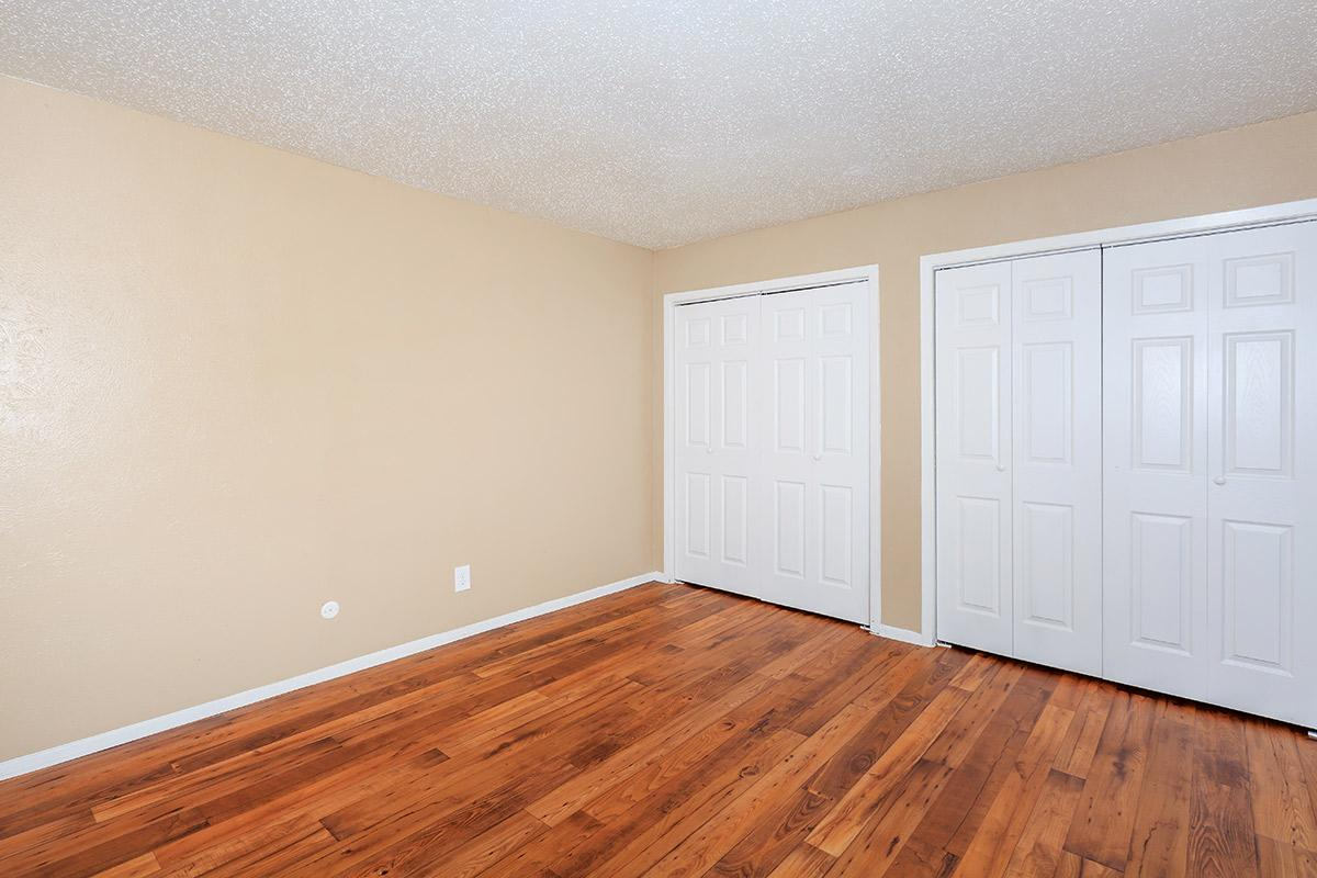 Bedroom at Listing #136839