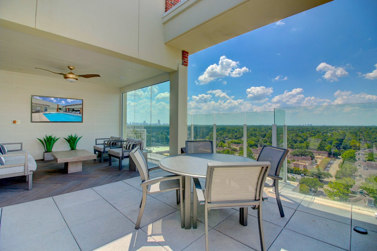 Lounge at Listing #150534