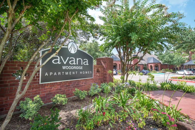 Avana Woodridge Apartments