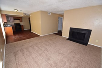 Living Area at Listing #136668