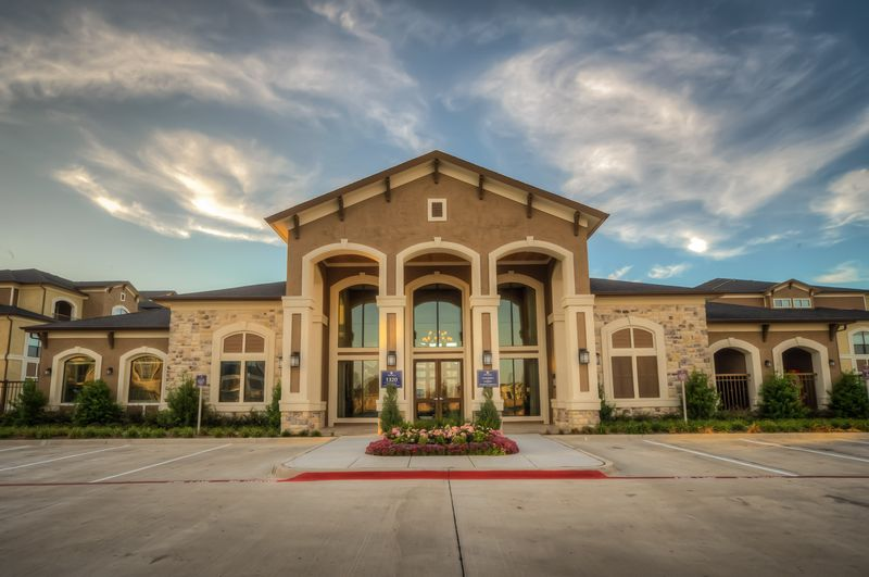 Dolce Living Burleson ApartmentsBurlesonTX