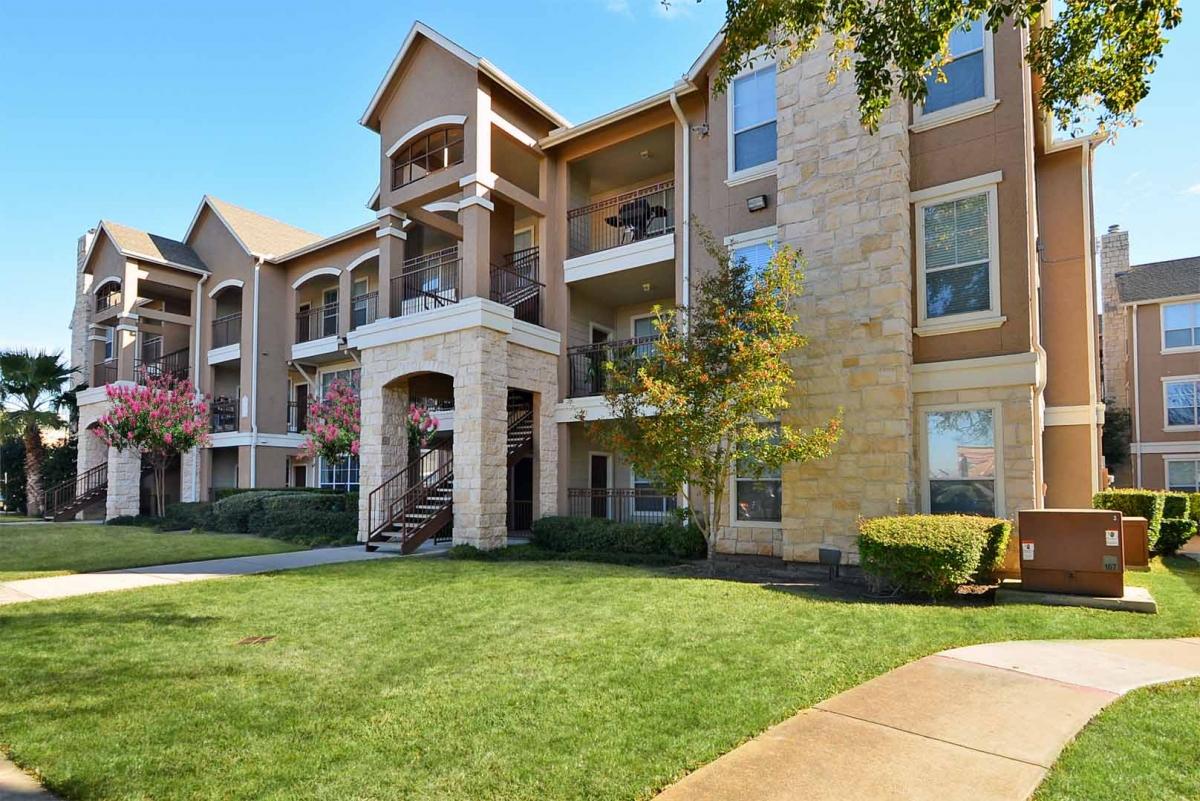Retreat at Westpark Apartments Houston TX