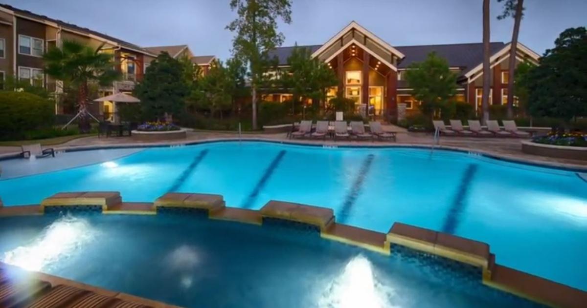 Pool at Listing #151552