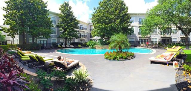 Pool at Listing #138979