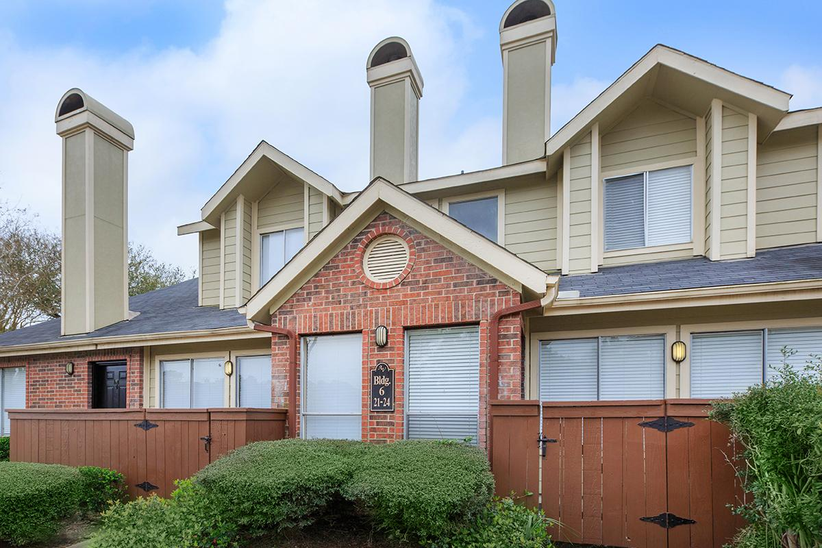 Exterior at Listing #139453