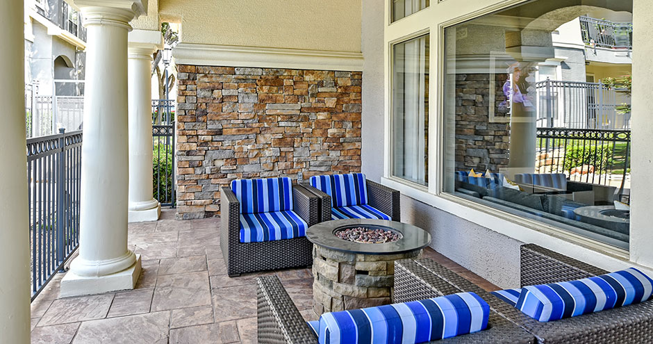 Lounge at Listing #138092