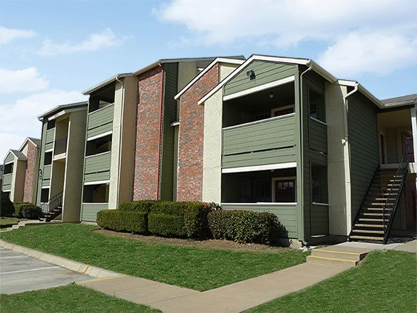Exterior at Listing #135995