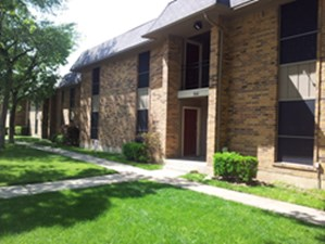 Exterior at Listing #137512