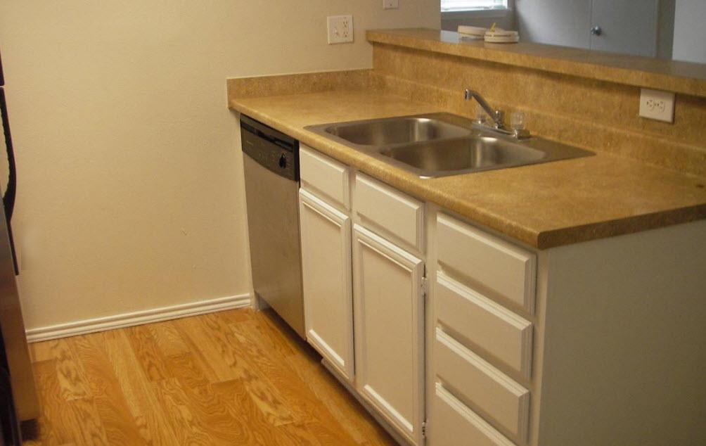 Kitchen at Listing #282760