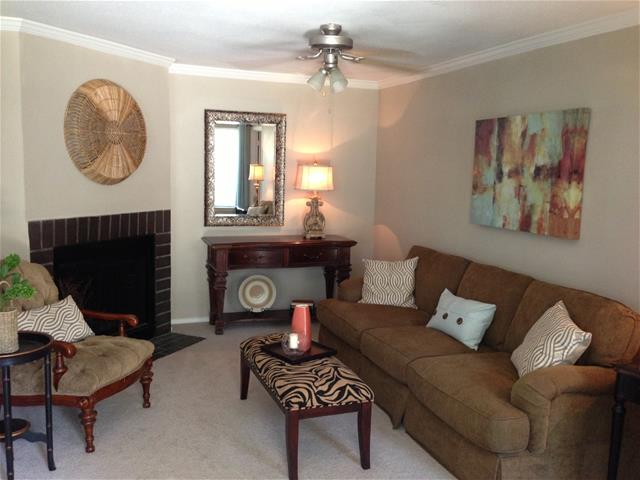 Living at Listing #138540