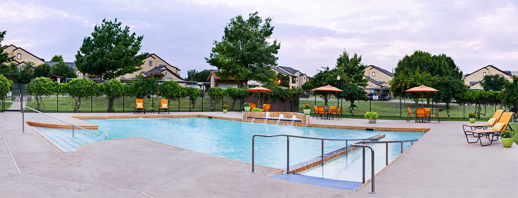 Pool at Listing #137689