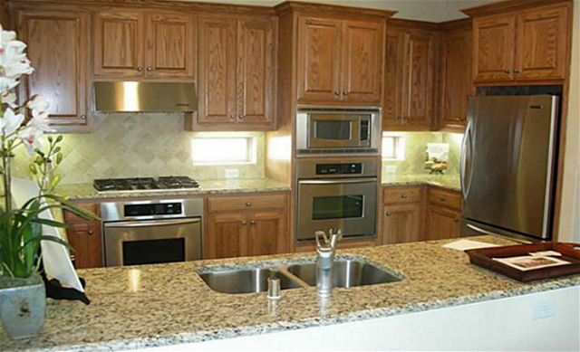 Kitchen at Listing #274726