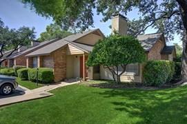 Preston Villas Apartments Dallas TX