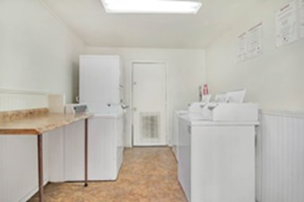 Laundry at Listing #235511