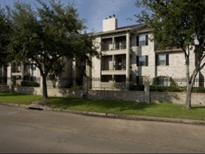 Exterior at Listing #138723