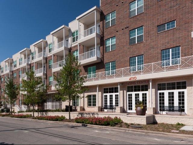 4110 Fairmount ApartmentsDallasTX