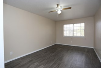 Bedroom at Listing #144671
