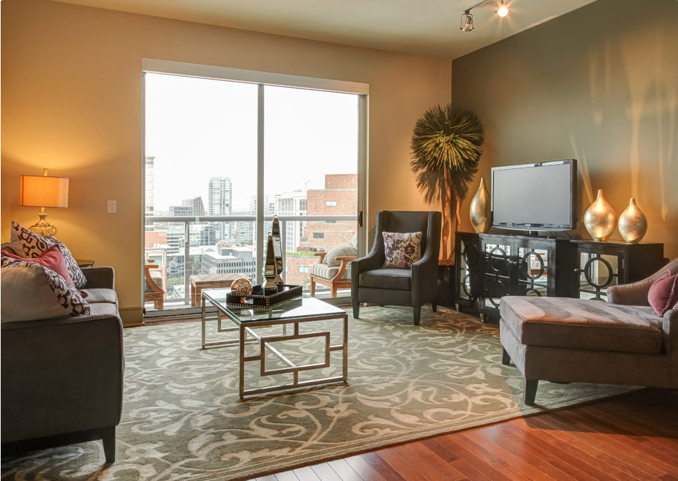Living at Listing #145795