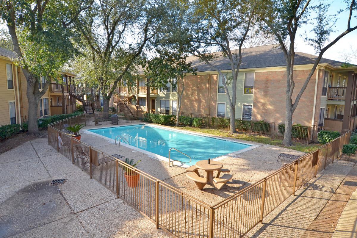 Pavilion Place Apartments Houston, TX