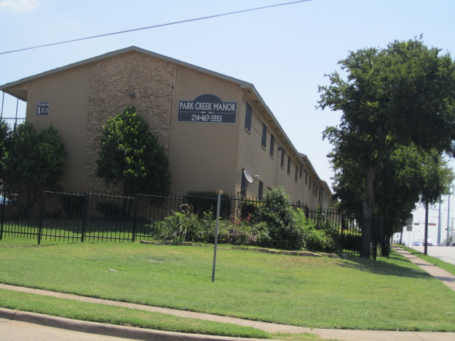 Park Creek Manor Apartments Dallas TX