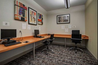 Business Center at Listing #151973