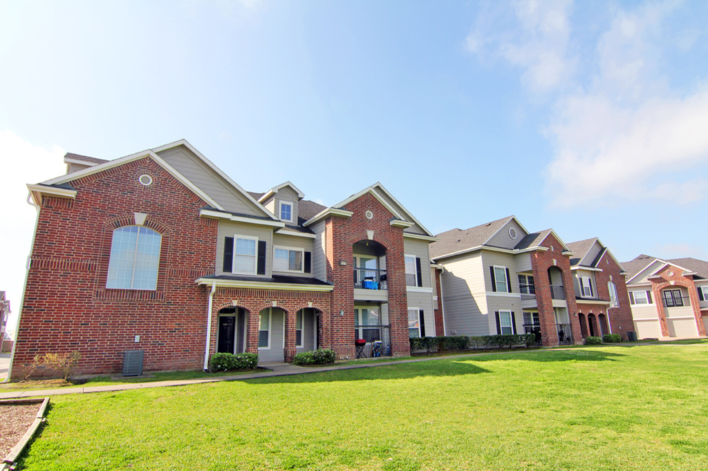 Lafayette Village Apartments Houston TX