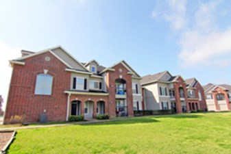 Lafayette Village at Listing #150447