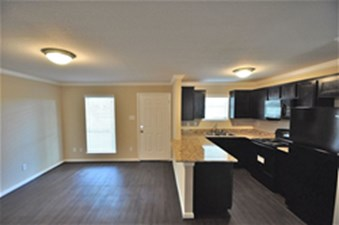 Living/Kitchen at Listing #139352