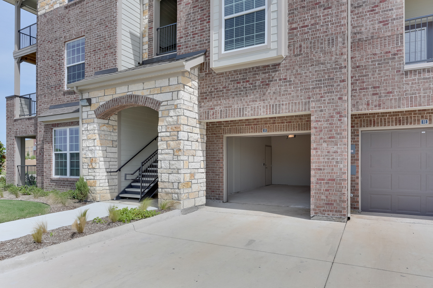 Exterior at Listing #248798