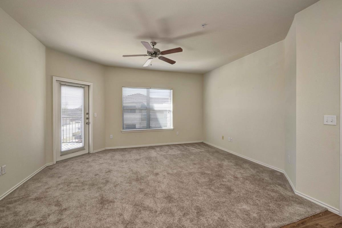 Living at Listing #146200