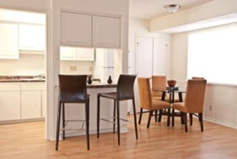 Dining/ Kitchen at Listing #140473