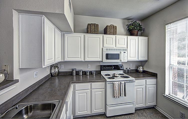 Kitchen at Listing #137709