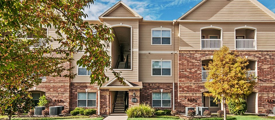 Exterior at Listing #146435