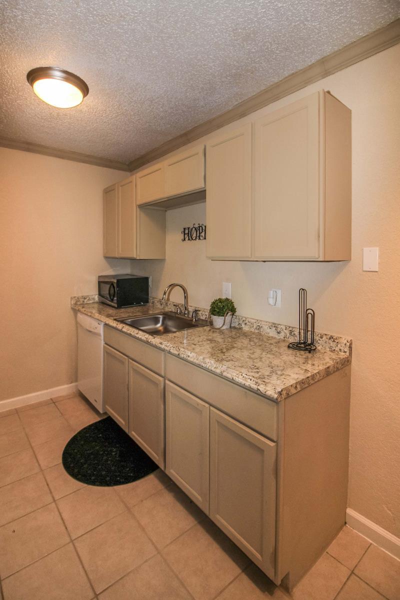 Kitchen at Listing #136551