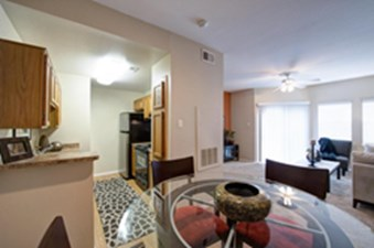 Dinning/Kitchen at Listing #136084