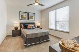 Bedroom at Listing #300134