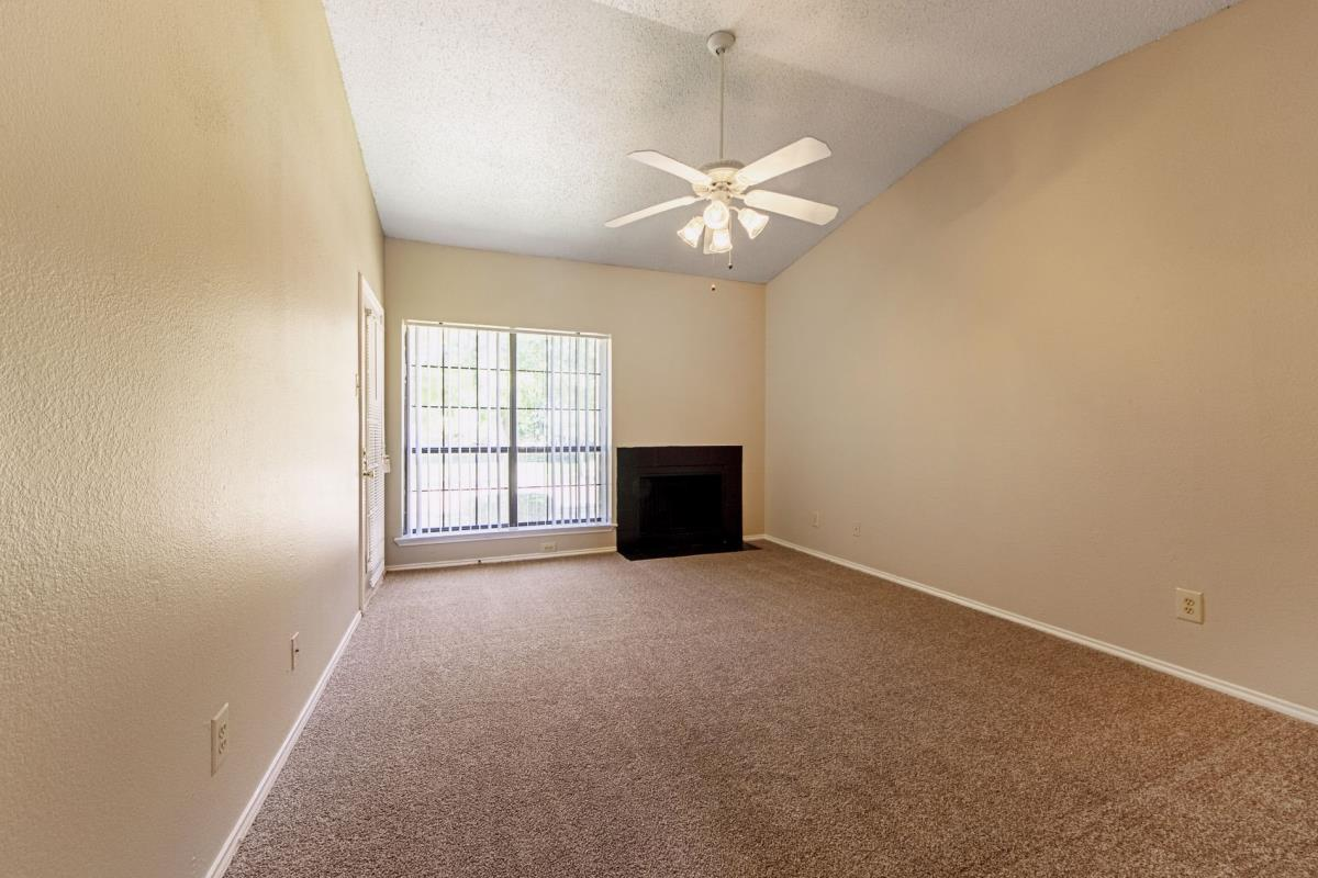 Living at Listing #135866