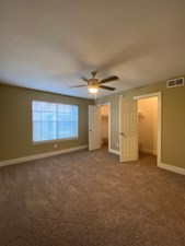 Bedroom at Listing #138332
