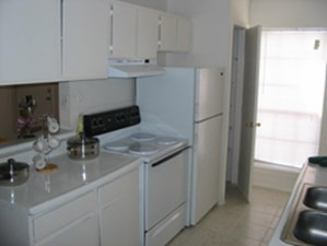 Kitchen at Listing #139536