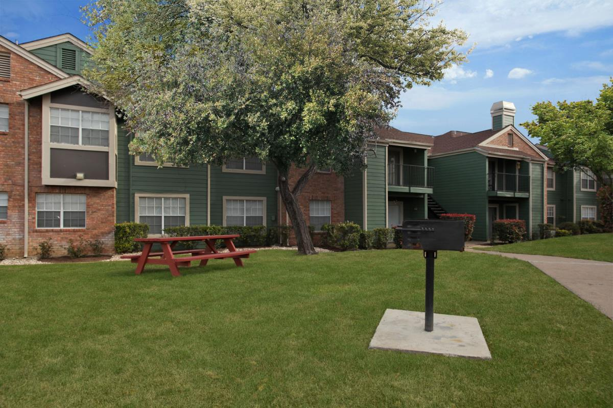 Exterior at Listing #140268