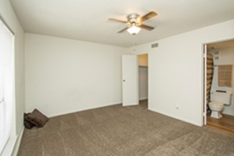 Bedroom at Listing #214854