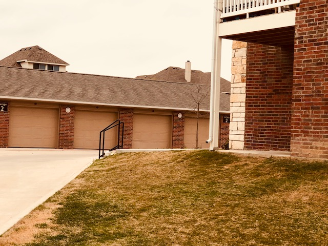 Exterior at Listing #277550